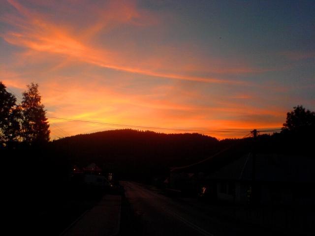 Zachód słońca w górach przychodzi bardzo szybko, autor: vanhelsing