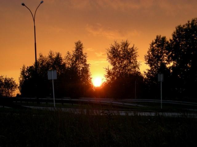 Zachód słońca z drogi na Wzgórze Wandy, autor: bikerrr
