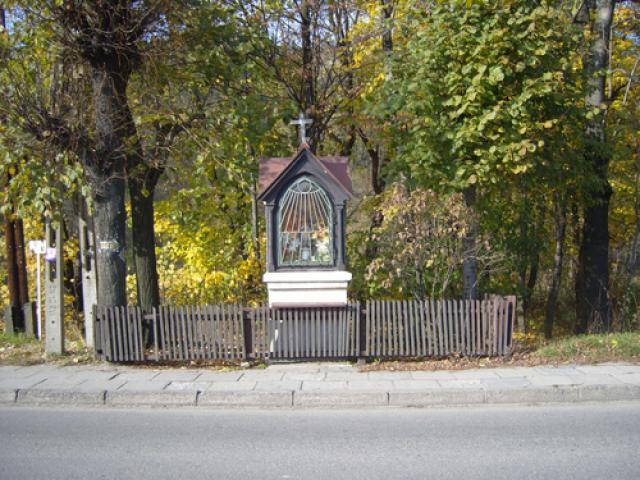 Przydrożna kapliczka w Rajczy, autor: codecalm