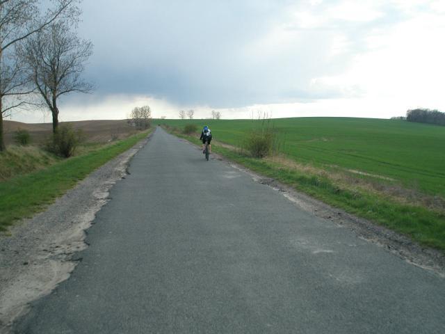 Długi podjazd z tarnowca do Skotnik, autor: chaozz
