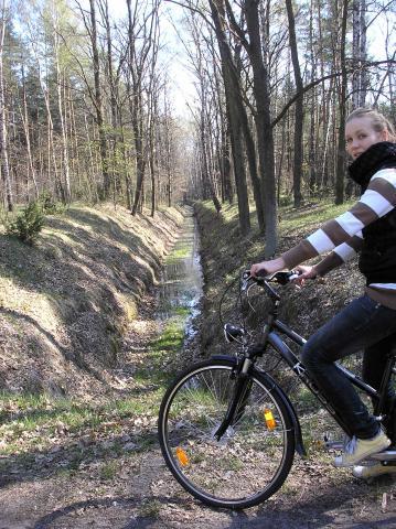 Rzeczka, którą musimy pokonać jeśli zaczniemy trasę od zielonego szlaku, autor: rogal111