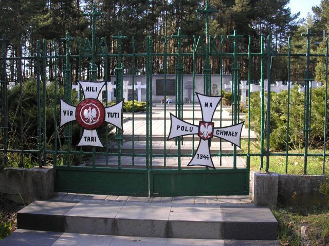 Cmentarz partyzantów - MojRower.pl