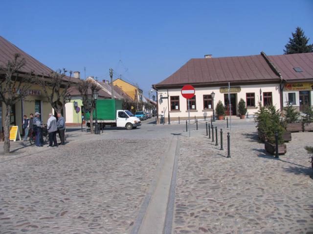Rynek w Starym Sączu. - MojRower.pl