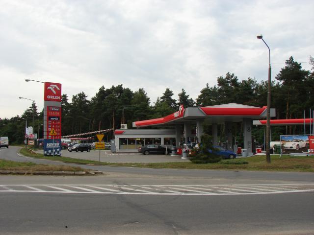 stacja benzynowa przy drodze krajowej 801, autor: jelonki