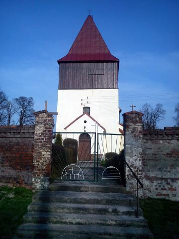 Kościół św. Stanisława Biskupa Męczennika w Miłogostowicach, autor: paveln