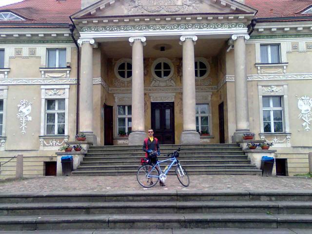 Zespół pałacowy powstał w latach 1788-1791 jako siedziba rodowa Wojciecha Lipskiego herbu Grabie., autor: szeryf3