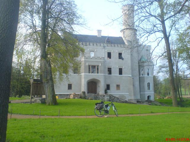 Remontowany pałac Karpniki, autor: wiesiek
