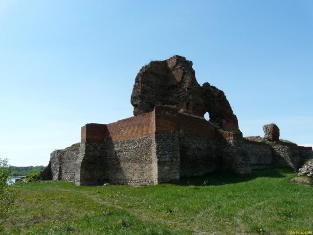 Ruiny zamku krzyżackiego w Bobrownikach, autor: darkofe