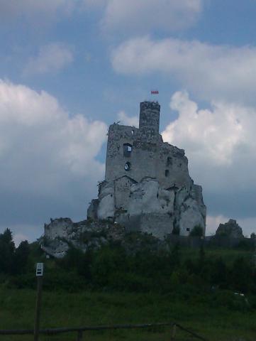 Ruiny zamku w Mirowie - MojRower.pl