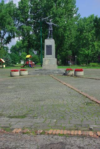 Pomnik Powstańca Lipiny - MojRower.pl