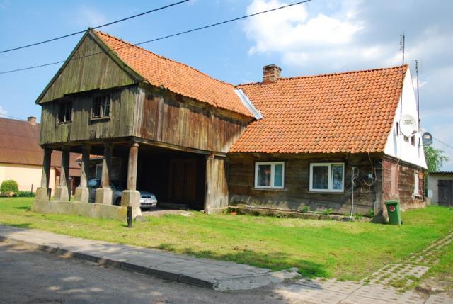 Jeloni, dom podcieniowy, fot. BR - MojRower.pl