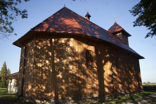 Gawłów - drewniany kościół - MojRower.pl