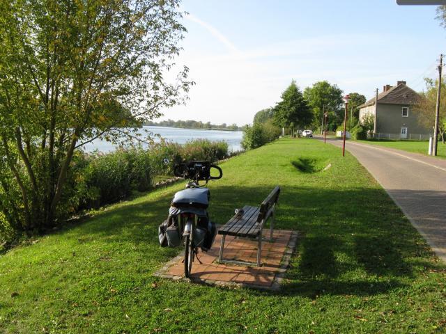 Droga rowerowa nad Odrą w Mescherin, autor: andycpt