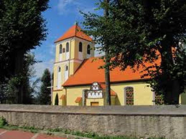 Kościół w Rydzewie - nad samym jeziorem, autor: sebas