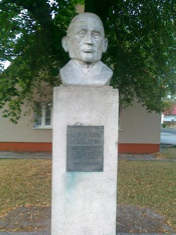 Pomnik poety Jakuba Kani - MojRower.pl